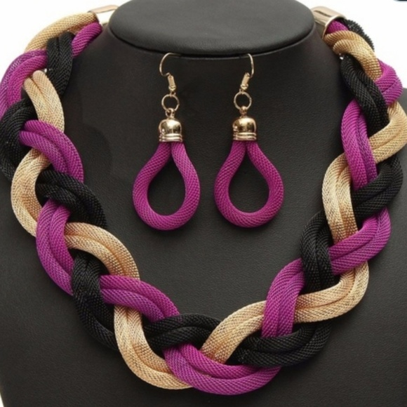 Jewelry - 💕2 FOR $15💕 Multi Colored Necklace & Earring Set
